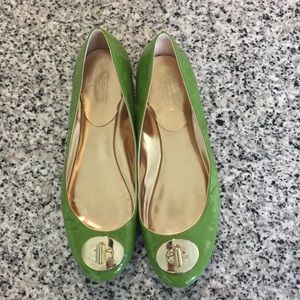 Green patent leather Coach Judyann flats w/buckle